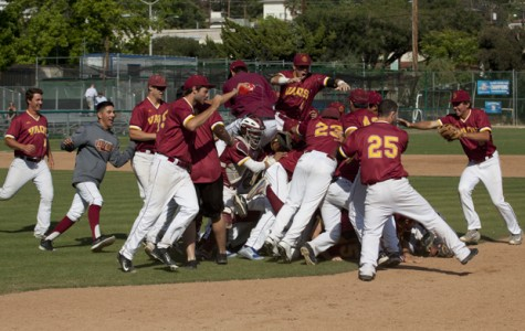 Vaqueros Win Back-to-Back Division Titles