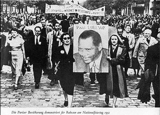 Photo courtesy of Rutgers UniversitySupporters rally behind Robeson at the height of his fame and influence.