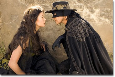 Set several years after the conclusion of the previous adventure, Alejandro (Antonio Banderas) and Elena (Catherine Zeta-Jones) are married and have a 10-year-old son, Joaquin (Adrian Alonso). Though Alejandro continues to don the mask of Zorro to protect