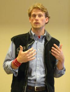 Ben Smith informs students and faculty about the rising costs of textbooks.