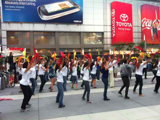 Dancing+Flash+Mob+Tells+Bachmann+%E2%80%9CYou+Can%E2%80%99t+Pray+the+Gay+Away%E2%80%9D