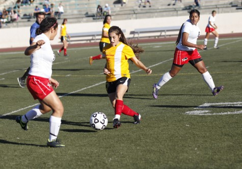Lady Vaqueros Take One in the Loss Column