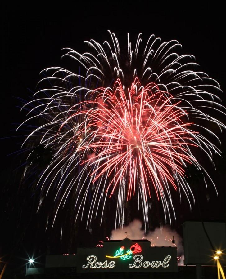2010+Rose+Bowl+Fireworks+Show+-+Slideshow+Coverage