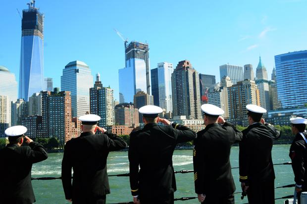 NEW+YORK+%28Oct.+1%2C+2012%29+Sailors+assigned+to+the+guided-missile+destroyer+Pre-Commissioning+Unit+%28PCU%29+Michael+Murphy+%28DDG+112%29+salute+the+9%2F11+Memorial+as+the+ship+transits+New+York+Harbor+in+preparation+for+her+commissioning+Oct.+6.+The+new+destroyer+honors+the+late+Lt.+%28SEAL%29+Michael+P.+Murphy%2C+a+New+York+native%2C+who+was+posthumously+awarded+the+Medal+of+Honor+for+his+actions+in+combat+as+leader+of+a+four-man+reconnaissance+team+in+Afghanistan.+Murphy+was+the+first+person+to+be+awarded+the+medal+for+actions+in+Afghanistan%2C+and+the+first+member+of+the+U.S.+Navy+to+receive+the+Medal+of+Honor+since+the+Vietnam+War.++%28U.S.+Navy+photo+by+Mass+Communication+Specialist+2nd+Class+John+Scorza%2FReleased%29+121001-N-YB590-071%0AJoin+the+conversation%0Ahttp%3A%2F%2Fwww.facebook.com%2FUSNavy%0Ahttp%3A%2F%2Fwww.twitter.com%2FUSNavy%0Ahttp%3A%2F%2Fnavylive.dodlive.mil
