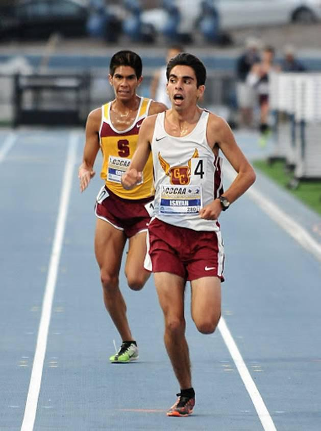 OUT+IN+FRONT%3A+Vaqueros+runner+Vahagn+Isayan+won+the+10%2C000-meter+during+the+first+day+of+two+of+the+season+ending+meet+at+San+Diego+Mesa+College.+%0A