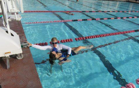 Professor Brings Students to Rose Bowl Aquatics