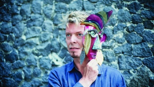 David Bowie with Foil Mask at Frida Kahlo's Blue House © Fernando Aceves, 2007