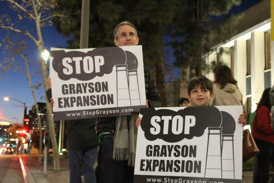 Protestors gather in front of Glendale City Hall during City Council's Jan.23 meeting.