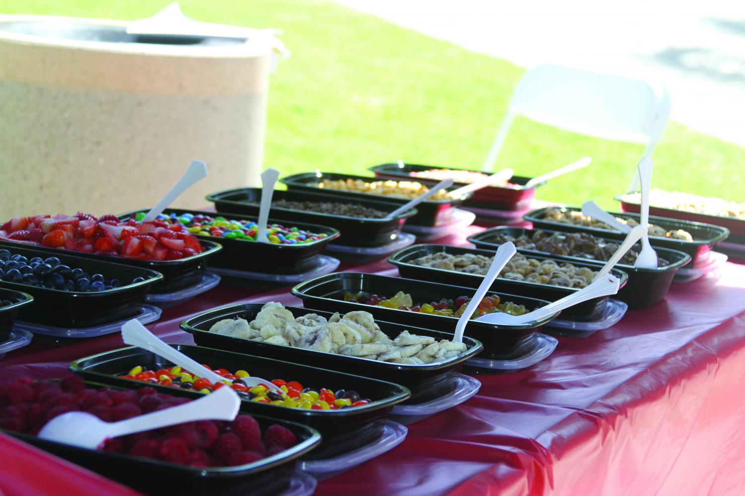 ASGCC offered deluxe toppings, including Fruity Pebbles and Oreos.