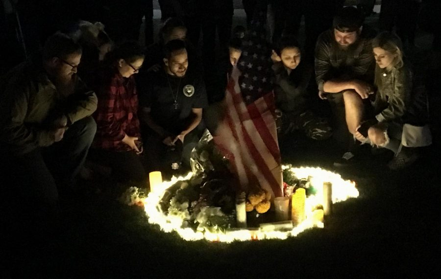 Residents+of+Thousand+Oaks+and+surrounding+communities+gathered+to+honor+those+who+lost+their+lives+in+a+mass+shooting+at+a+local+bar.+