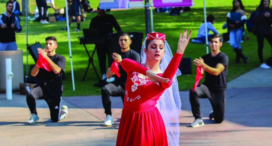 Patrick+Bagumyan%2C+Alex+Gevorkian%2CCeline+Voskanian%2C+and+Armen+Shahinyan+performs+Armenian+traditonal+dance.