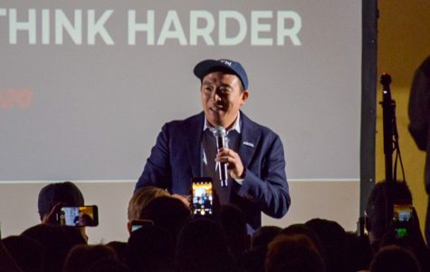 Yang Delivers Address to Hundreds in L.A.